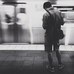 subway-waiting